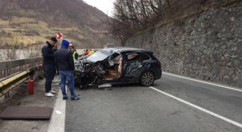 Soțul Alinei Gorghiu, accident grav după ce a tăiat linia continuă! VIDEO