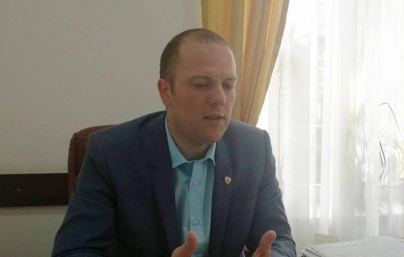 Regulamentul privitor la furnizorii de utilități ce intervin pe străzile din Botoșani, întors de Prefectură