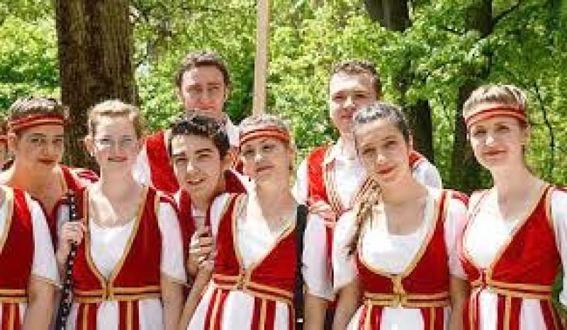 Spectacol festiv, la Botoşani, dedicat Zilei Naţionale a poporului armean