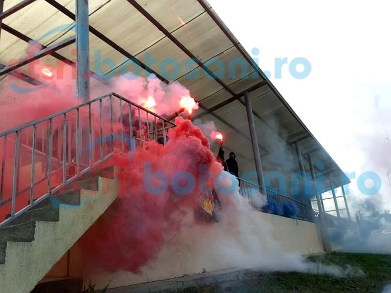 SPECTACOL oferit de Peluza SUD la meciul dintre FC Botosani si Foresta Suceava - FOTO, VIDEO