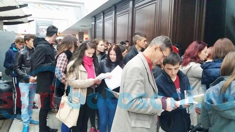Speranțe pentru un loc de muncă, la Bursa organizată de AJOFM-FOTO
