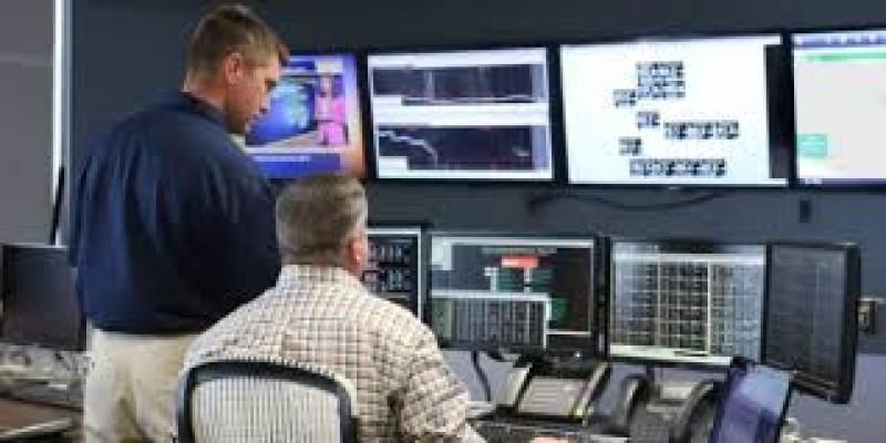 Spionaj la E.ON! Un șef fura în weekend datele clienților și le vindea