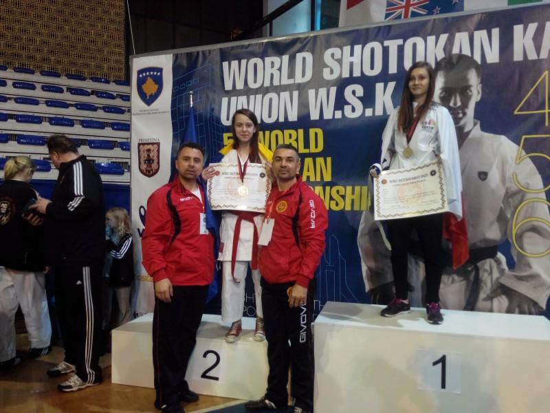 Sportivi botoşăneni medaliaţi cu aur la mondialele de karate - FOTO