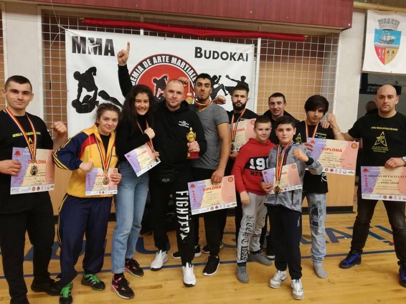 Sportivi botoșăneni, premiați la Campionatul Național de Kick Boxing K1, de la Galați! FOTO