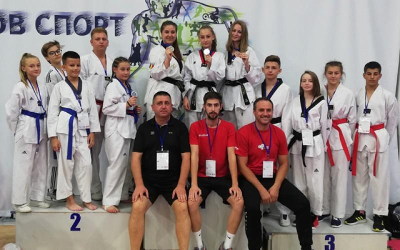 Sportivii botoșăneni au ocupat tot podiumul la Campionatul Balcanic de Taekwondo!