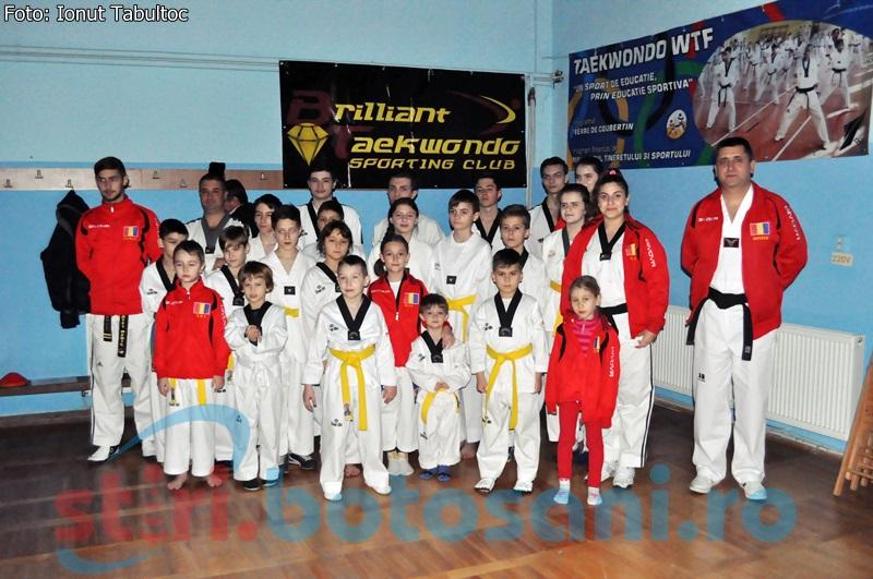 Sportivii de la Brilliant Taekwondo, premiati pentru REZUTATELE din 2014 - FOTO