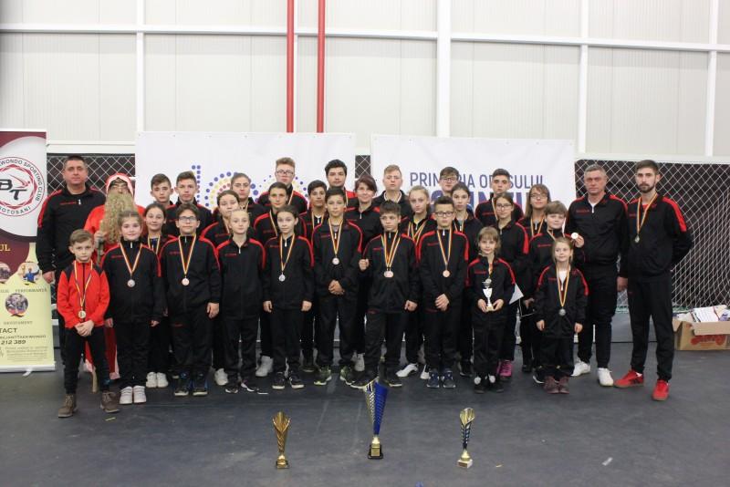 Sportivii de la Brilliant Taekwondo Sporting Club, pe podiumul competițiilor! FOTO