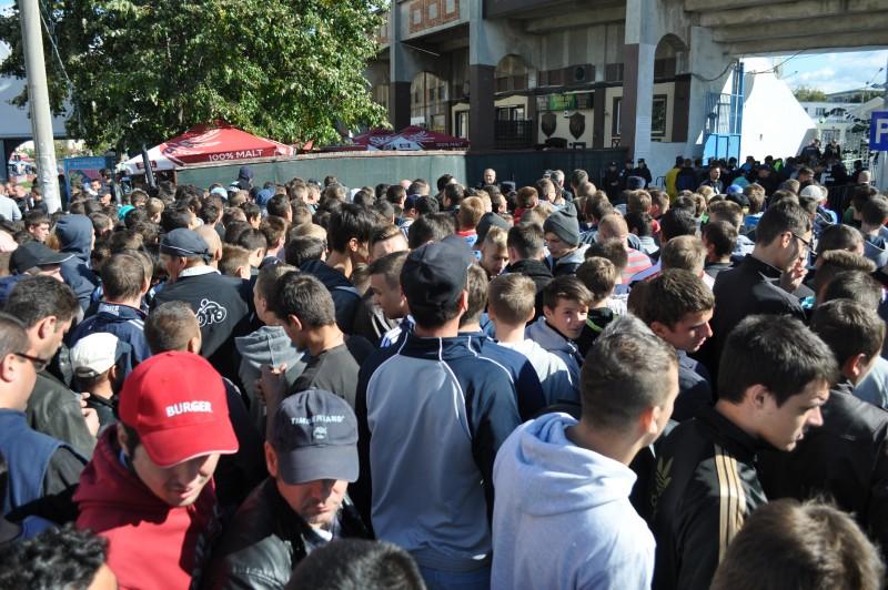 """Stadionul """"Municipal"""" luat cu asalt de botosaneni! FOTO"""