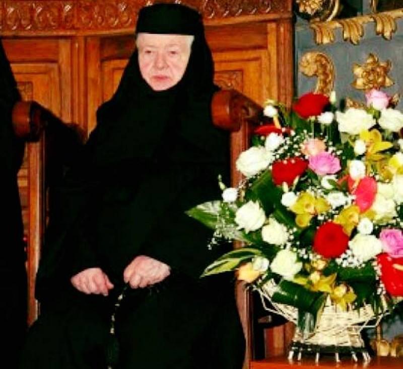 Stareța Teofana Scântei, blânda maică a Voronei, împlinește 85 de ani!