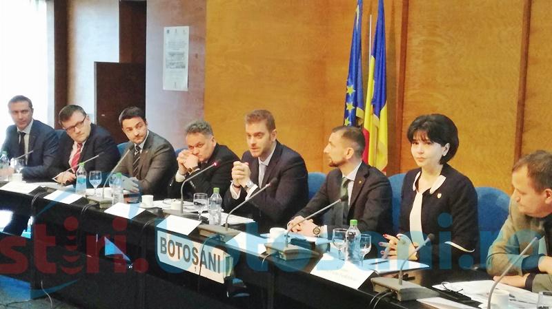 Botoșănenii care vor să deschidă o afacere, consiliați de doi secretari de stat - FOTO