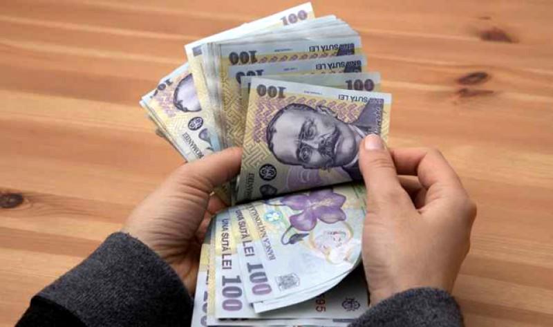 Statistică: Câștigul salarial mediu nominal net a crescut în iulie cu 74 de lei
