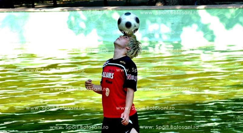 Stefan Florescu a facut jonglerii pe apa pentru Sport.Botosani.ro!