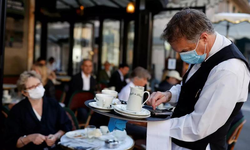 Strâng șurubul și mai tare: Restaurantele și barurile care sunt amendate de trei ori pentru încălcarea restricțiilor vor avea activitatea suspendată