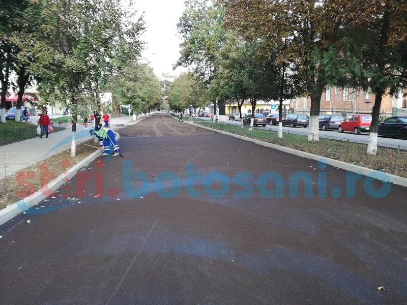Lucrări de asfaltare finalizate pe două străzi din municipiul Botoşani - FOTO