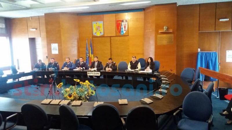 Prefectul a cerut șefilor structurilor MAI din Botoșani să aibă telefoanele deschise în minivacanța de 1 Mai
