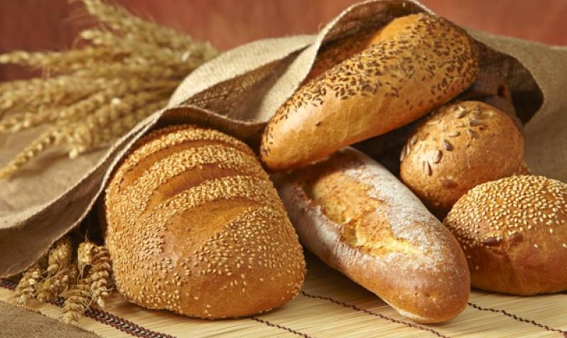 Studiu: un român consumă 8 kilograme de pâine în fiecare lună