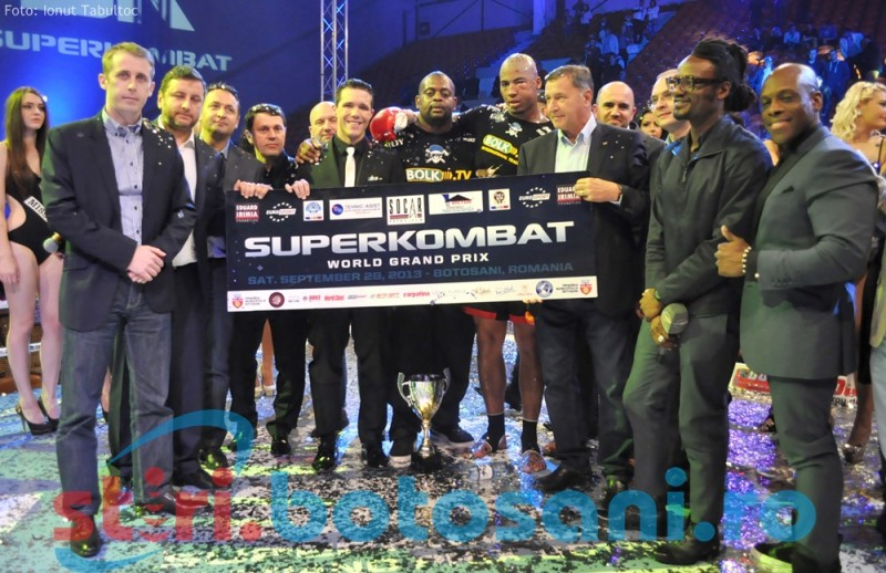 SUPER SHOW la Gala Superkombat Grand Prix de la Botosani! Vezi cine sunt castigatorii! GALERIE FOTO, VIDEO