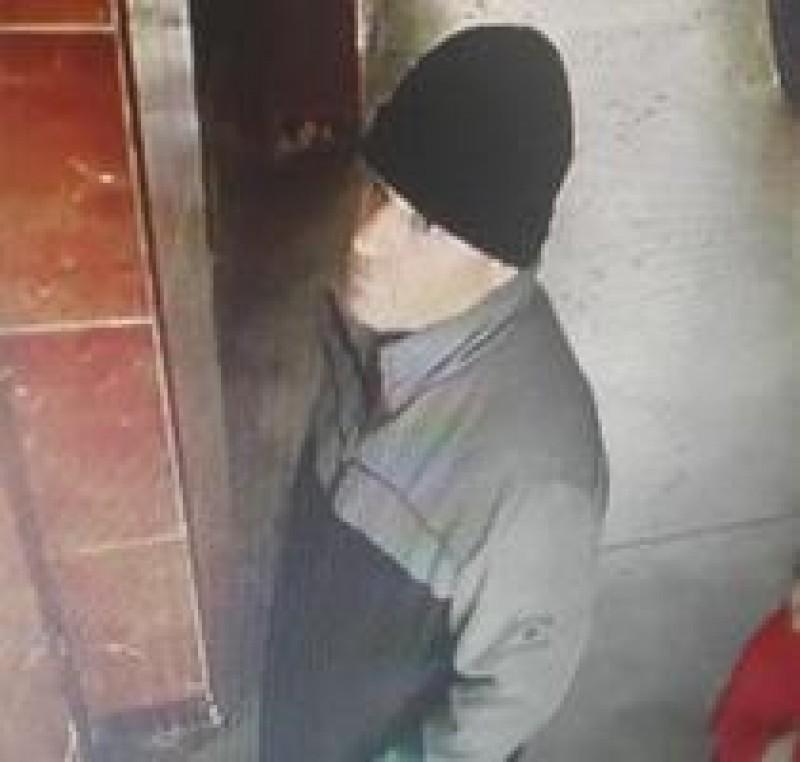 Surpriză în cazul bărbatului care ar fi agresat doi copii intr-un lift! Acesta este un polițist de la Rutieră!