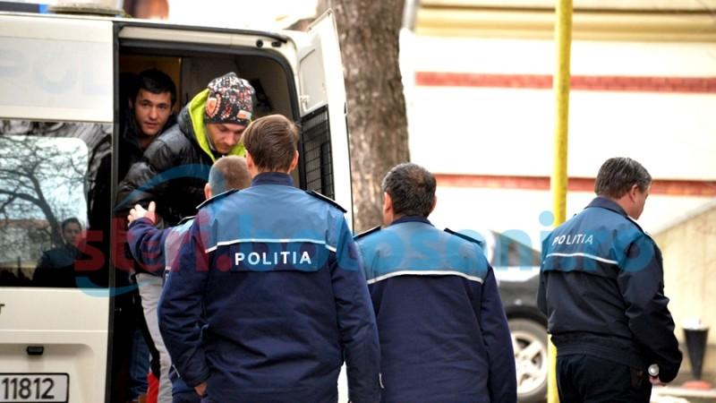 Indivizii care au semănat teroare în municipiu în luna decembrie, trimişi în judecată! Aruncă vina unul pe altul!