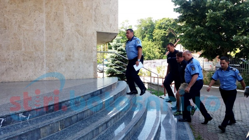 Suspectul de la Coţuşca, un obişnuit al infracţiunilor! Este cercetat pentru alte două infracţiuni grave!