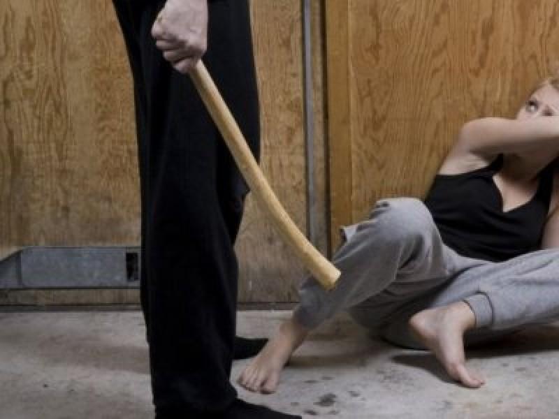 SUSŢINEŢI? 7 ani de închisoare pentru bărbații care își bat soțiile!