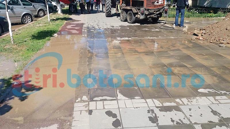 Sute de botoșăneni fără apă, din cauza unor avarii apărute în două zone ale municipiului Botoșani!