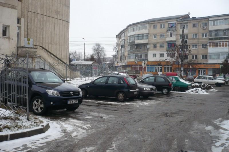 Sute de botosaneni s-au prezentat la primarie, pentru plata locului de parcare!