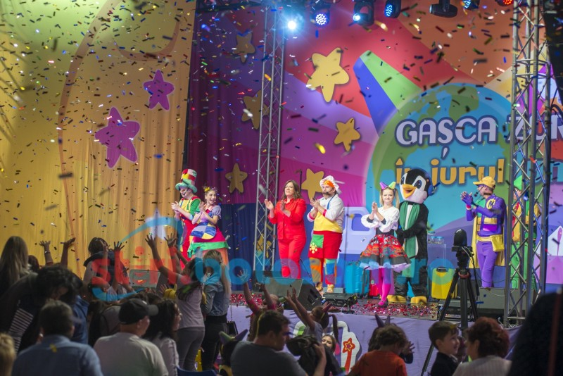 Sute de copii la Polivalentă pentru spectacolul cu Gașca Zurli! FOTO - VIDEO