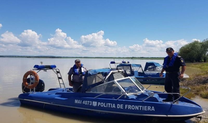 Sute de metri de plasă monofilament eliminată din Prut de polițiștii de frontieră