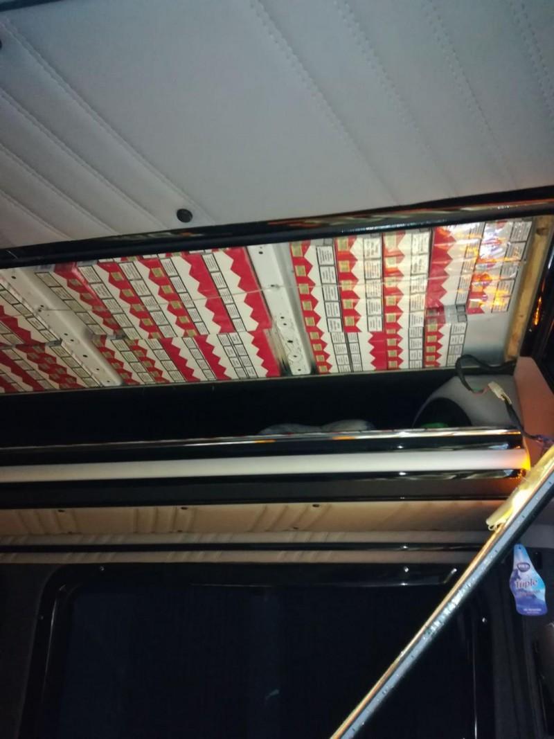 Sute de mii de țigarete de contrabandă depistate la Stânca! FOTO