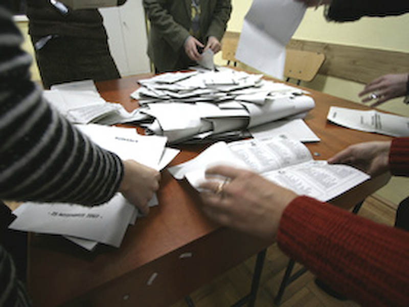 Sute de politisti botosaneni vor asigura buna desfasurare a alegerilor europarlamentare
