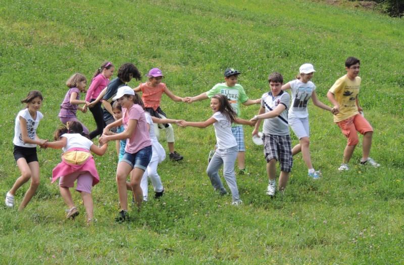 Tabere gratuite pentru copii din 40 de comune din judeţul Botoşani