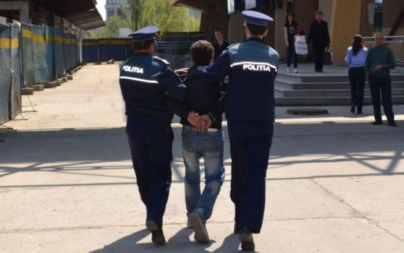 Tânăr de 18 ani arestat pentru furt