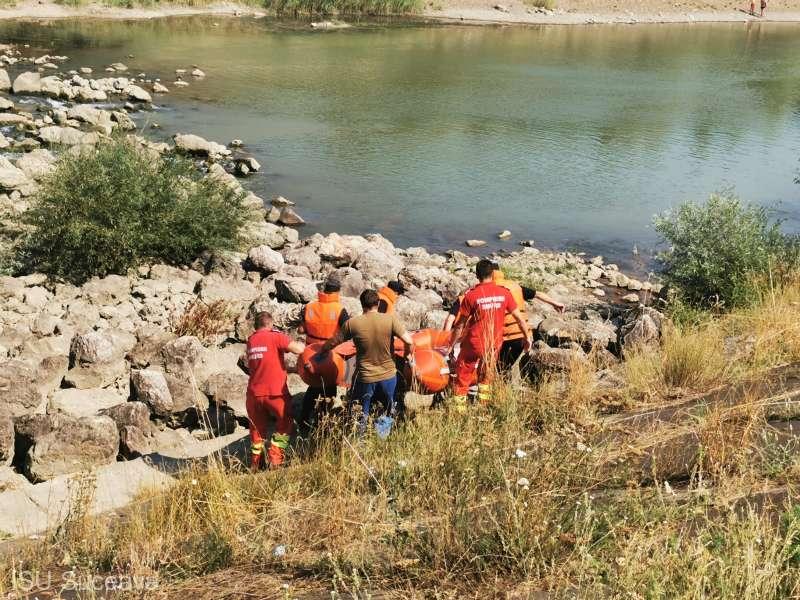 Tânăr de 20 de ani înecat, după ce a intrat să se scalde în râul Siret
