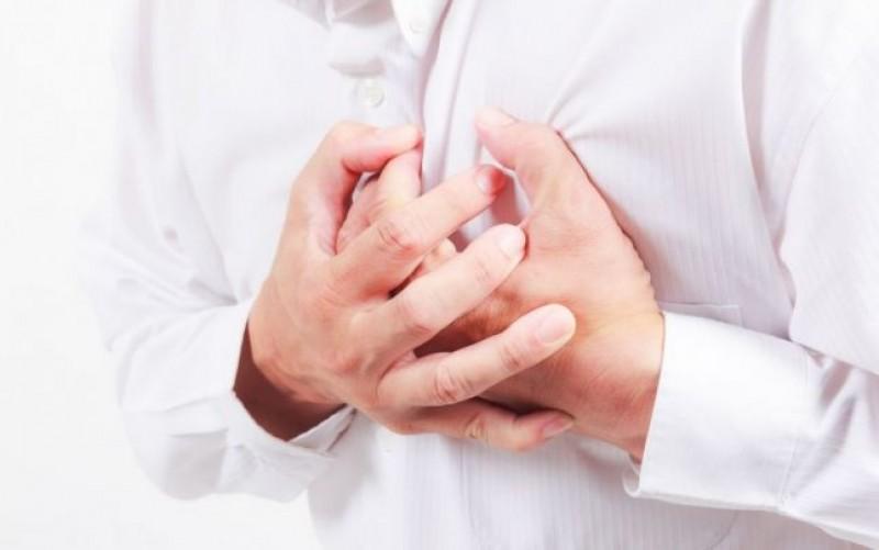 Tânăr de 35 de ani trimis la Iași, după ce a suferit un infarct!
