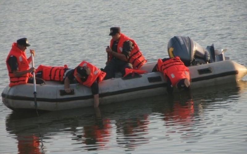 Tânăr din Botoşani dispărut în apele râului Mureş!