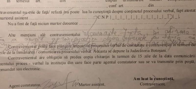 """Tânăr din Botoșani, revoltat pe un agent care i-a lipit amenda pe ușă. Poliția Locală: """"Ne întâlnim în instanță"""""""