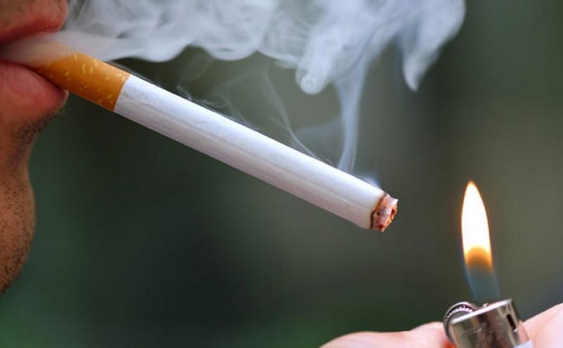 Tânăr din județ, amendat pentru o țigară fumată în parc