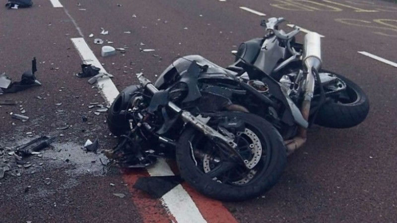 Tânăr rănit într-un accident cu motocicleta