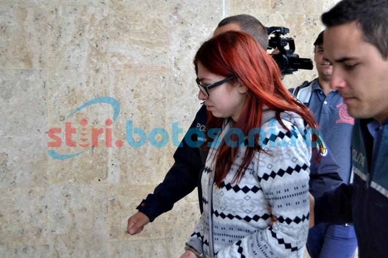 Tânăra care şi-a ucis pruncul la câteva zile după naştere, trimisă în judecată! Este acuzată de omor!