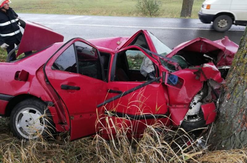 Tânărul care a făcut accidentul de ieri de nu avea permis de conducere! Cu un noroc chior, acesta a scăpat cu viață dar riscă închisoarea!