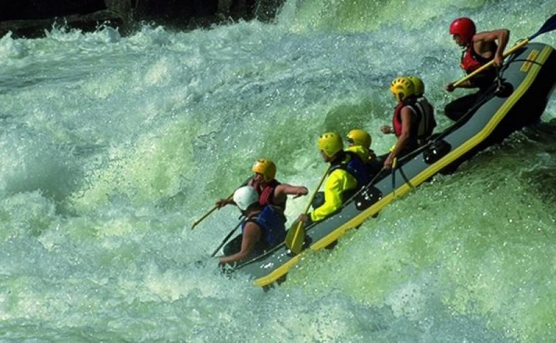 TARIFELE propuse la Cornișa pentru râul de rafting și pentru plimbările pe lac!