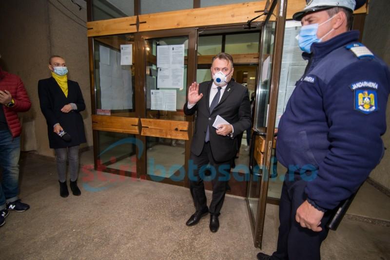 """Tătaru, la Botoșani: """"Momentul votului este unul dintre cele mai securizate momente. Câte zile vrem să sărbătorim, poate fi un pericol"""""""