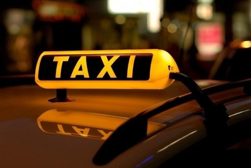 Taximetrist bătut și lăsat fără mașină: Poliția a identificat agresorii