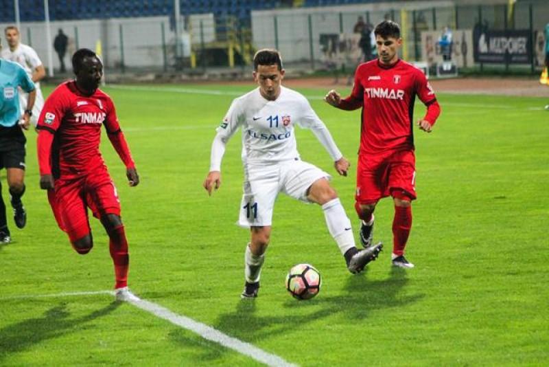Telenovela transferului lui Moruţan de la FC Botoşani la FCSB ajunge la final. Jucătorul va semna cu vicecampioana României