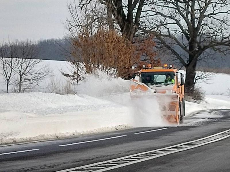 Temperaturi negative și carosabil uscat în majoritatea județelor din Moldova. Cum se circulă pe drumurile naționale