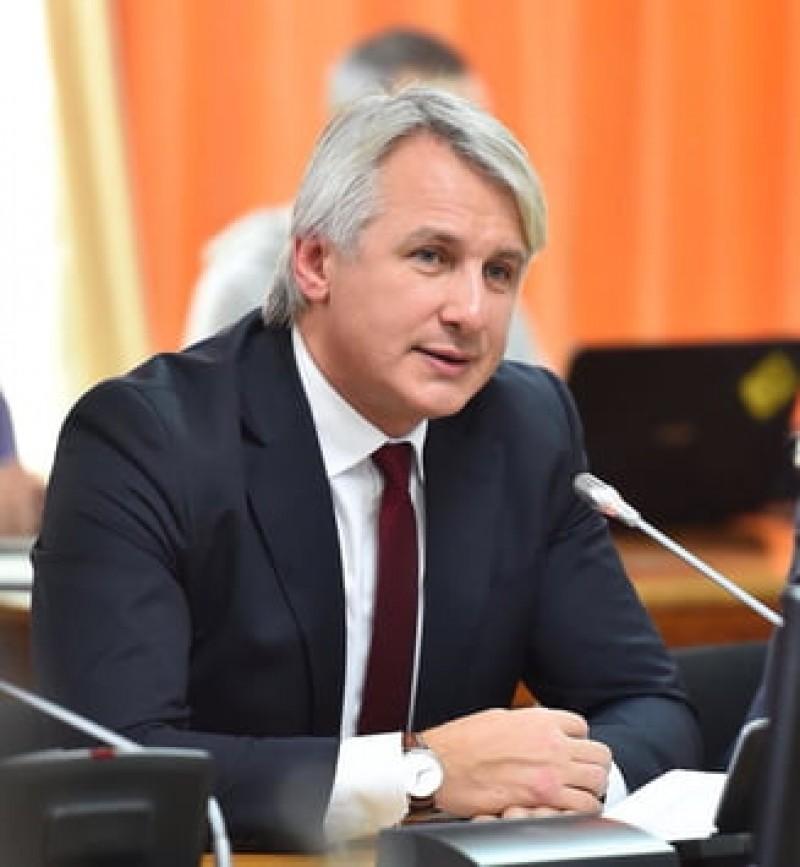 Teodorovici: Chiar daca nu ar fi bani de pensii si salarii, nu faci publica o astfel de declaratie