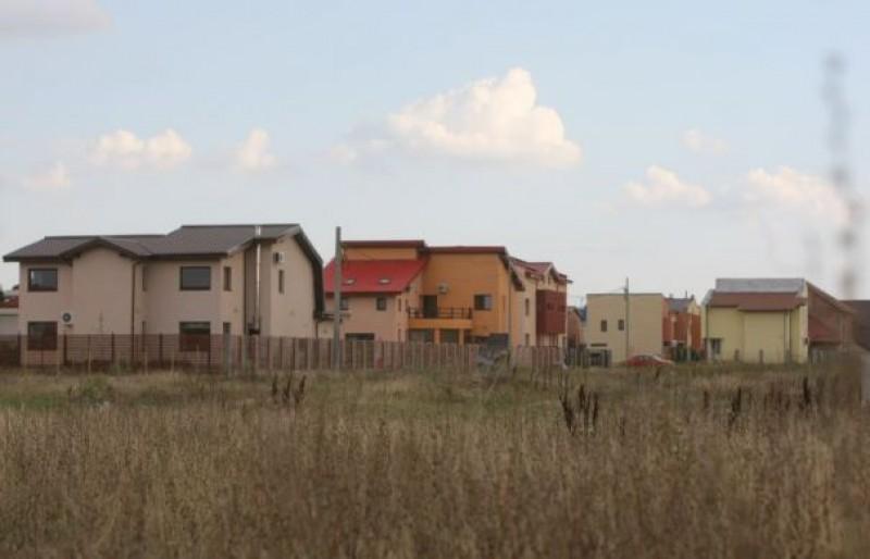 Terenurile agricole din orașe nu vor mai fi deloc impozitate la nivelul celor cu construcții!