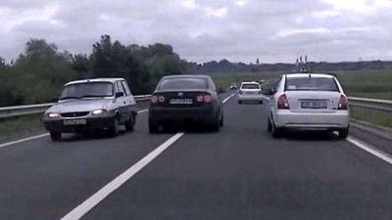 Teribilismul unui șofer de 18 ani: O depășire interzisă putea provoca o tragedie!