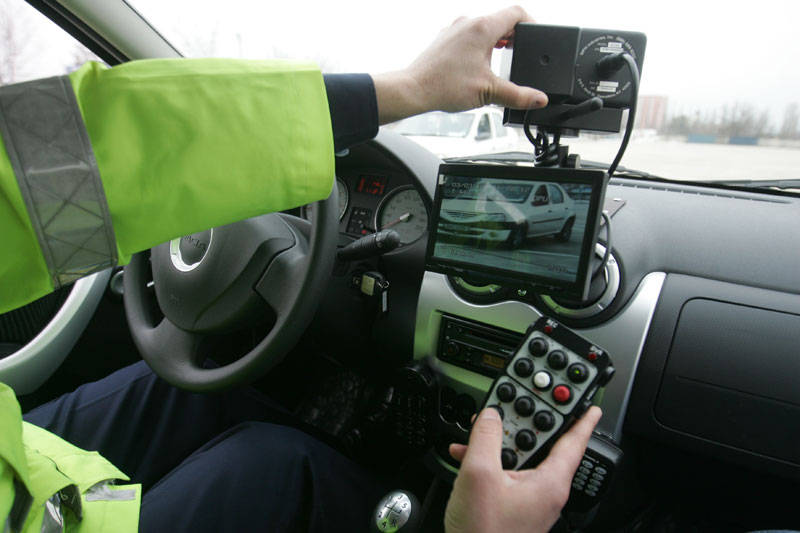 Inconștiență! Un tânăr din Botoșani, băut, a fost prins conducând cu 160 km pe oră!